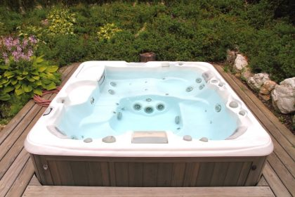 Hot tub that needs to be winterized.
